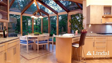 Kitchen In Sunroom by Corner Sunroom As Dining Room Of Kitchen Lindal