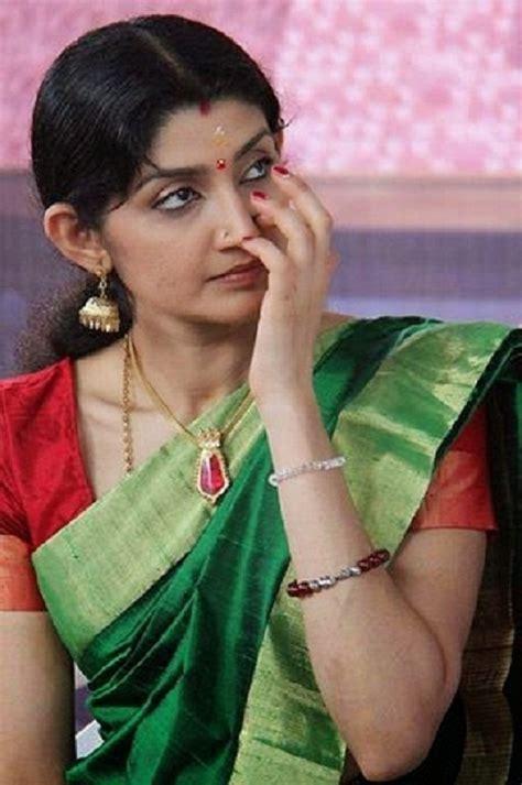 actress divya unni latest photos south indian actress wallpapers south indian actress