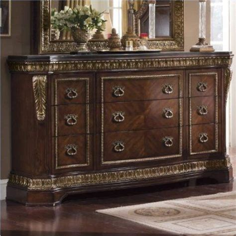 amazoncom pulaski pulaski del corto  drawer dresser furniture decor bedroom set