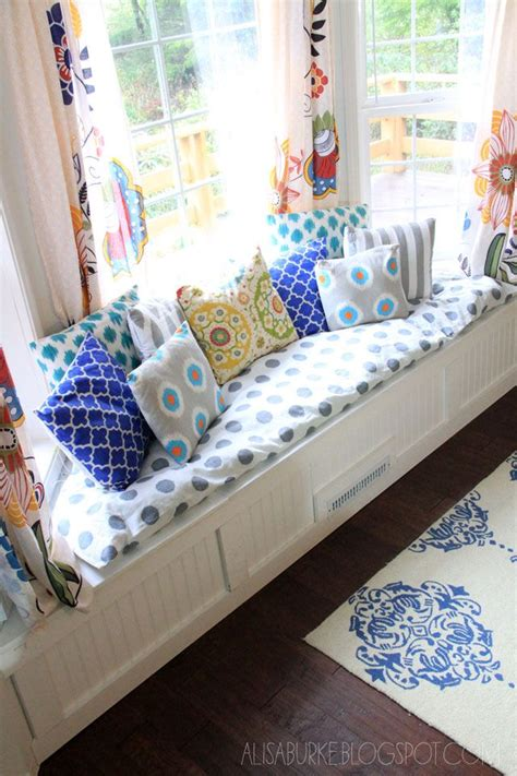 window sofa storage 25 best ideas about bay window curtains on pinterest