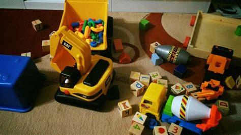 Mainan Anak Truck Fighting tak perlu umpan dengan mainan banyak sebenarnya mainan