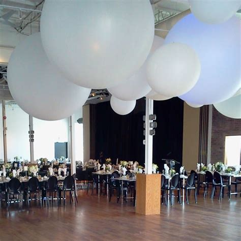 Easy Last Minute Decor Balloon Ceiling by Balloons Ceiling Decor Event Decor Direct