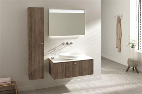 Supérieur Meubles De Salle De Bains Conforama #2: Salle-de-bain-mur-beige-meuble-salle-de-bain-conforama-colonne-mural-en-bois-marron-clair.jpg