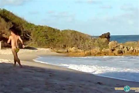 nudismo en casa correndo pelado na praia de nudismo de tambaba na para 237 ba