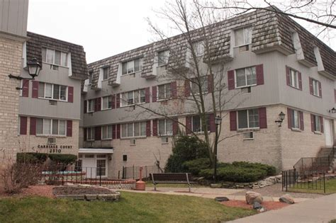 Milwaukee Apartments For Rent East Side Carriage Court Apartments Wellston Apartments