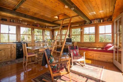 grid lookout tower cabin  tiller