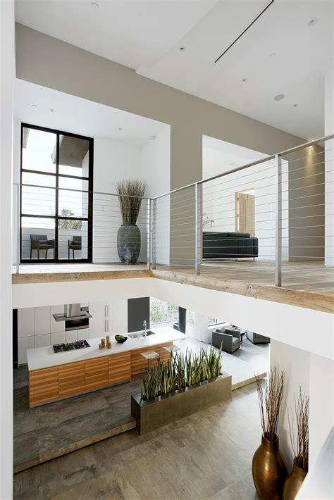 8 gimnasios en casa pisos al d 237 a pisos dise 241 o de moderna casa de dos pisos con aplicaciones de