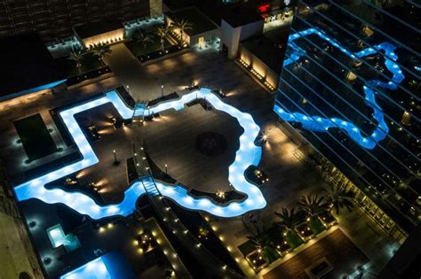 Lazy River Pools For Your Backyard Marriott Marquis Houston Debuts Texas Shaped Pool In Grand