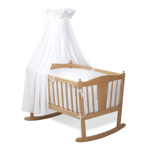 chambre bébé pin massif chambre de bebe princesse