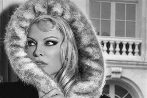 Pam Andersons Fur Fury by Pointedly Sent K A Faux Fur Coat Dazed