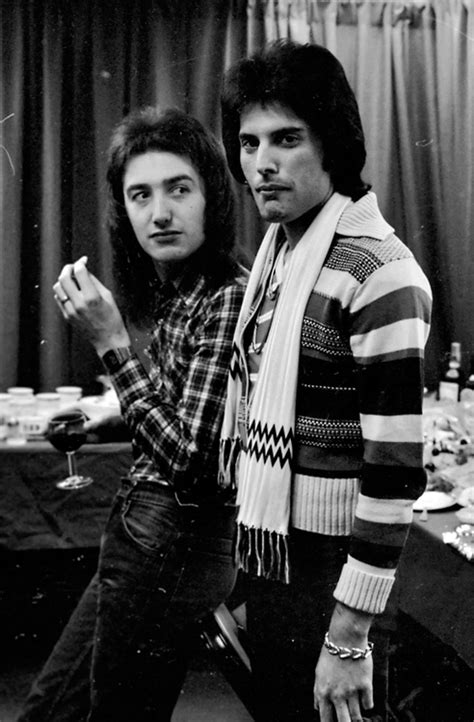 Queen: Freddie Mercury and John Deacon | Queen freddie