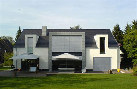 garten 70er jahre umbau eines 60er jahre wohnhauses in bielefeld