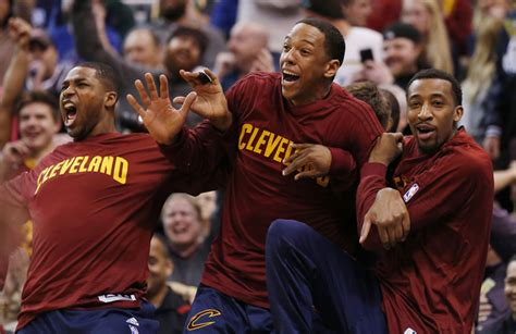 cavs bench cavs bench goes wild after iman shumpert throws down a