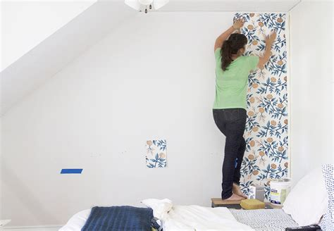 How To Use A Plumb Line When Wallpapering by Wallpapering 101 Wallpapering A Simple Accent Wall