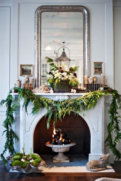 mantle decoration holiday decorating pinterest