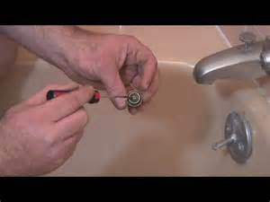 how do you change a bathtub faucet video how do i replace bathtub faucet washers ehow uk