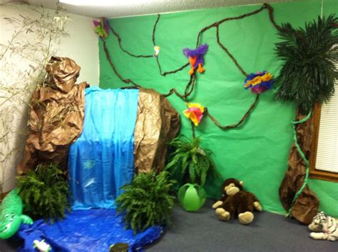 Decorating Ideas For Journey The Map Vbs Jungle Theme Vbs Crafts