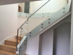 Painted Handrail Staircase Frameless Glass Railing Eclipse Glass