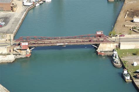 boat slips for rent chicago il ewing avenue bridge in chicago il united states bridge