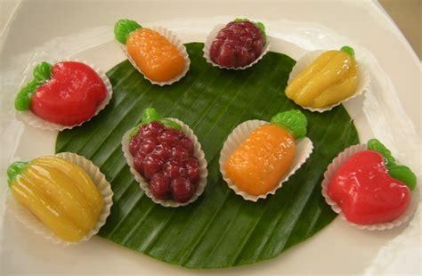 de sugar cake and traditional cake kue ku buah mini