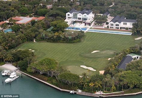 tiger woods house a gaping gap in tiger woods 60 million mansion puts