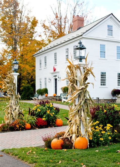 fall curb appeal ideas fall decorating ideas to boost curb appeal town