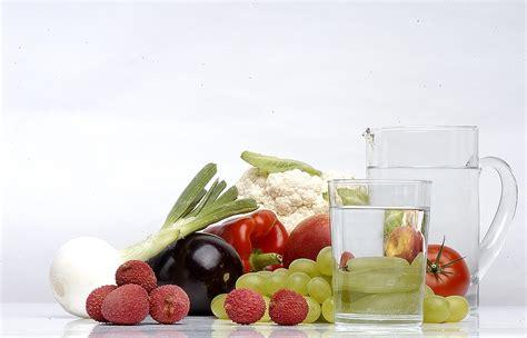alimentazione con diverticoli diverticolite cause e dieta alimenti consigliati e da