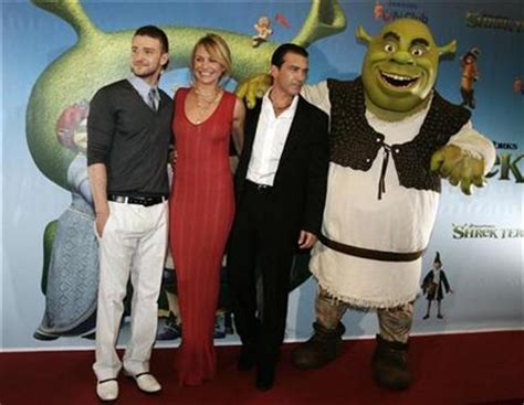 Antonio Banderas Rides Justin Timberlake by Shrek Pits Dreamworks Against Disney On Broadway Reuters