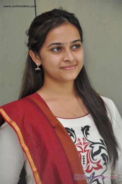 actress sri divya photos hd hd wallpapers tamil heroines group 70
