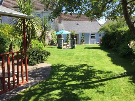 friendly seaside cottages w1878 traditional seaside cottage pet friendly great 8151157