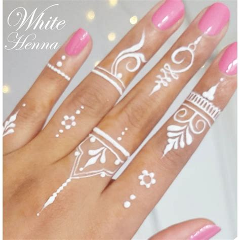 white henna tattoo on hand henna white makedes