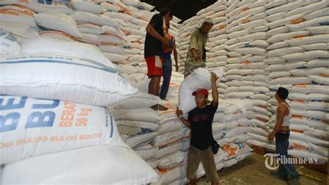 Karung Bulog Surabaya stok beras di pekalongan dan tegal cukup hingga juli 2015