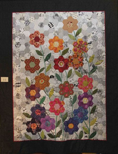 hexagon flower pattern quilt 1876 best hexagon quilting images on pinterest hexagons