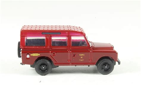Oxford Land Rover Christmast 2010 hattons co uk oxford diecast 76lan2010 land rover series ii station wagon railways