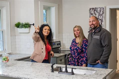 first time flipping houses defrancescojoaquina0c83 s blog hgtv s flipping virgins is back with new episodes hgtv s