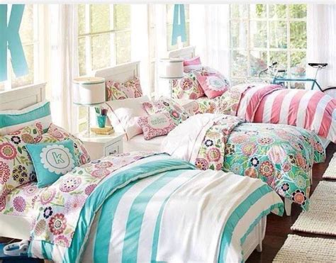 ideas for 23 year old girls bedroom 3quarter bed 25 best ideas about triplets bedroom on 3 bedroom ikea room and canopy