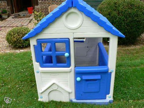maison de jardin bois ou plastique leblogbebe