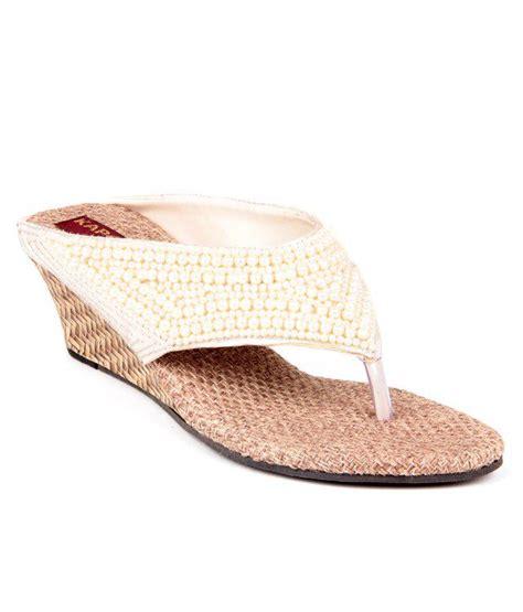 Wedges Lc505 Slip On White feel it white wedges heeled slip on price in india buy feel it white wedges heeled slip on