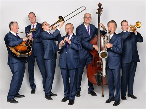 swing band file swing college band 2012 jpg wikimedia commons