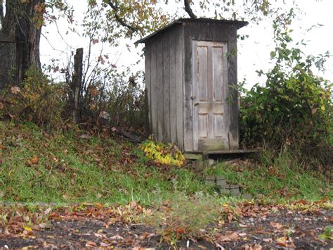 out house file amish outhouse jpg ts 233 ts 234 h 233 st 226 hese wikipedia