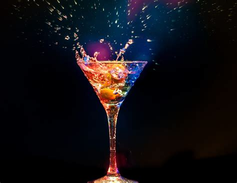 alcoholic drinks wallpaper glow black background balloon cocktail hd wallpaper