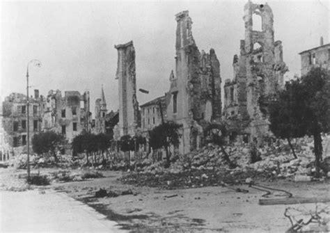bombardamento a tappeto la persecuzione dei serbi nella seconda guerra mondiale