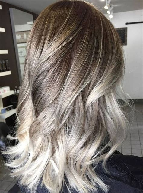 reslly vlonde on top and dark brown on bottom pics blonde highlights ideas best brown hair with blonde