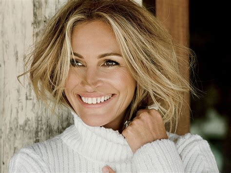 julia roberts says george clooney and pals treated her