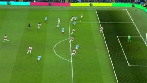 arsenal fans fume at mustafi error for aguero goal