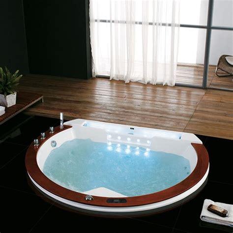 baignoire dans le sol les baignoires s incrustent dans le sol floriane lemari 233