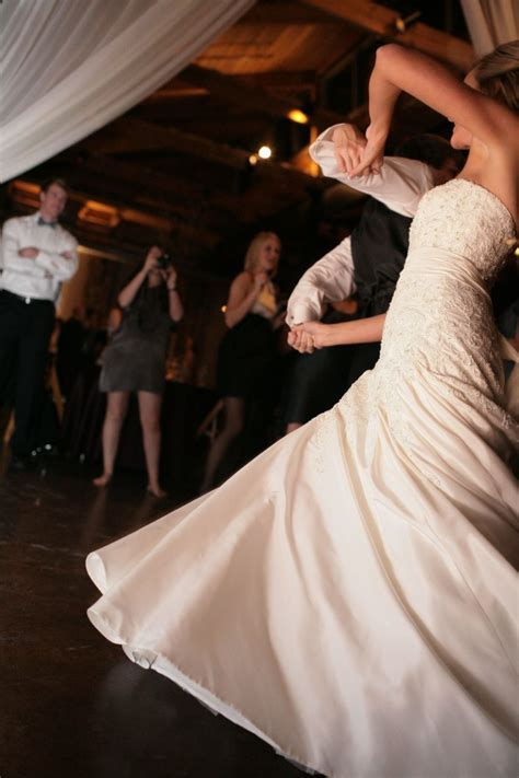 Best Wedding Songs for 2011: How to Move Past the Clichés