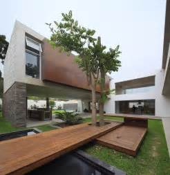 House With Central Courtyard by Opulent Residence Built Around A Central Courtyard In Peru