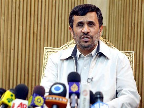 iran president mahmoud ahmadinejad chuck goes nuclear on iran prez ny daily news
