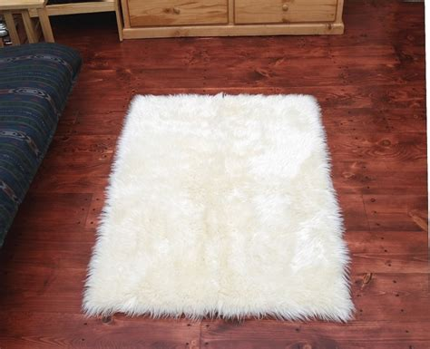 large fur rug click picture to enlarge